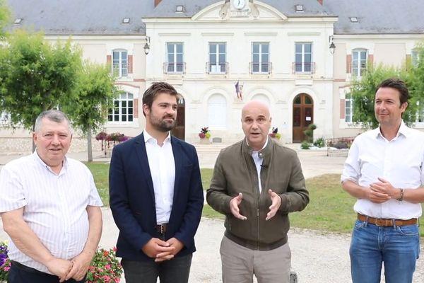 De gauche à droite, Joël Debuigne, Alexandre Avril, Nicolas Perruchot et Guillaume Peltier dans la vidéo publiée en fin de soirée ce 26 juin