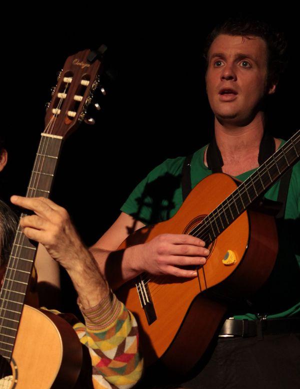 Isabelle Turschwell (en haut à gauche) avec les comédiens d'Album de Famille qui jouent en alternance au Studio Hébertot - Paris 17e