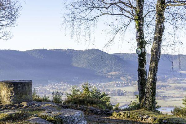 Le camp celtique de la Bure culmine à 580 mètres sur les hauteurs de Saint-Dié-des-Vosges.