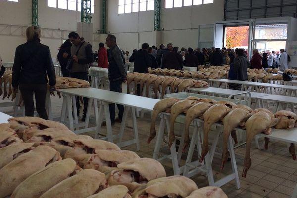 A l'ouverture du marché au gras de Gimont, dimanche matin