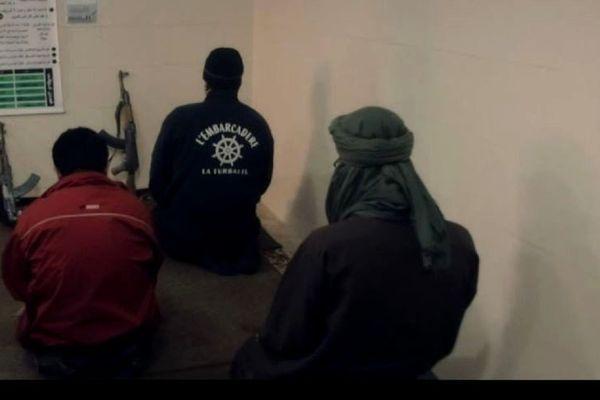 Qui est ce djihadiste qui arbore le logo de L'embarcadère ?