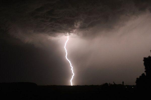 Un violent orage a secoué Clermont-Ferrand ce samedi 1er août, accompagné de grêle et de vents violents.