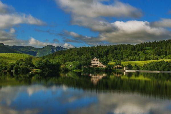 Dans le Puy-de-Dôme, six sites touristiques seront couverts par un réseau mobile d'ici deux ans. Parmi eux, le lac du Guéry.