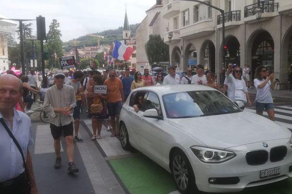 Les manifestants opposés au pass sanitaire dans les rues d'Annecy