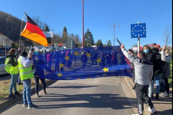 Samedi 6 mars 250 personnes manifestent à la frontière à la Brême d'or