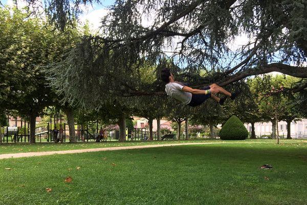 Ryan Laniesse, en plein entraînement au parc Jean Jaurès à Bergerac.