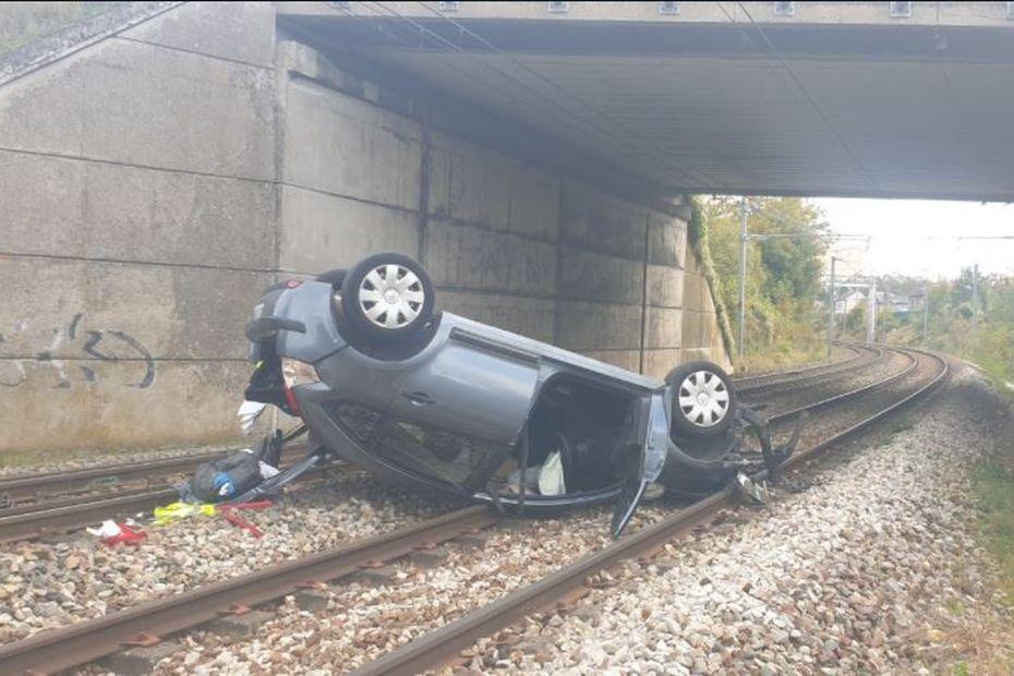 Une voiture chute sur les voies SNCF, le trafic perturbé sur les lignes normandes