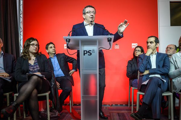 Conférence de presse du député PS Christian Paul, et des signataires de la motion B en vue du congrès du Parti Socialiste de Poitiers, le 6 mai 2015.