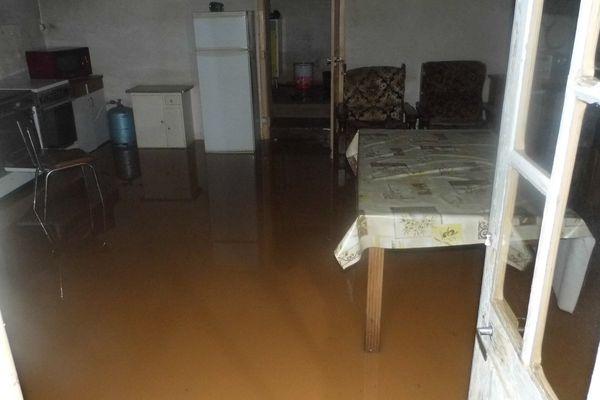 L'intérieur inondé de l'habitation de Laurent Espinas.