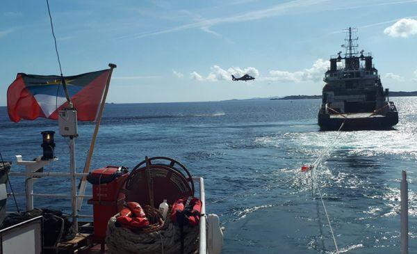 Le cargo Rhodanus a été remorqué ce vendredi, en fin de matinée.