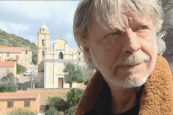 Le chanteur Renaud en visite à Cargèse