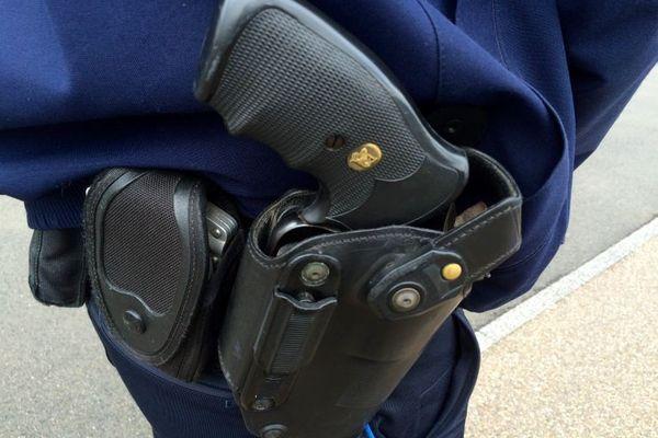 Le gouvernement s'est dit prêt à aider les municipalités qui voudraient armer leur police.