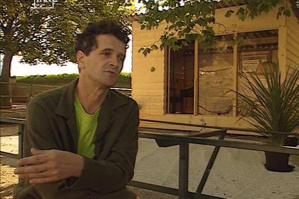 Laurent Decol n'en est pas à son coup d'essai. En 1997, il passe 15 jours enfermé dans un enclos du zoo de la Citadelle de Besançon.