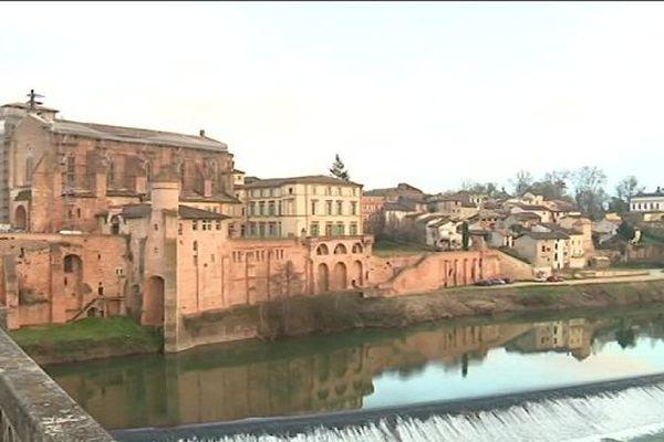 Gaillac, entre Toulouse et Albi, séduit par ses infrastructures et ses services.