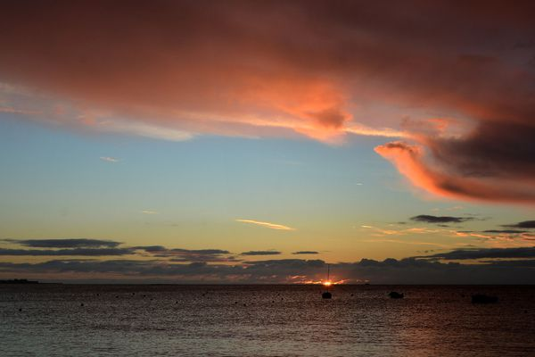 Lever de soleil à Kérity à Penmarc'h