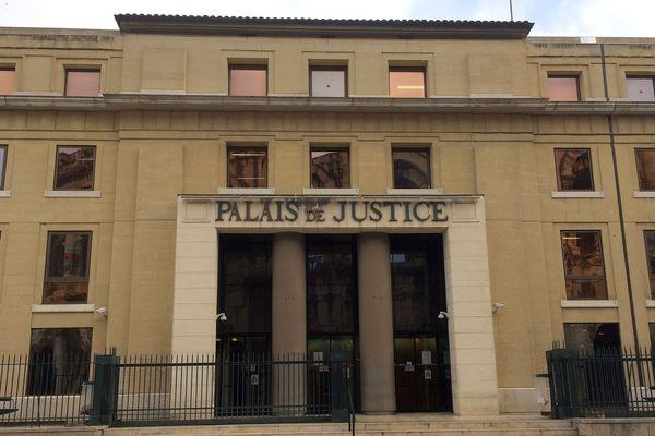Nîmes - le palais de justice - 2018.