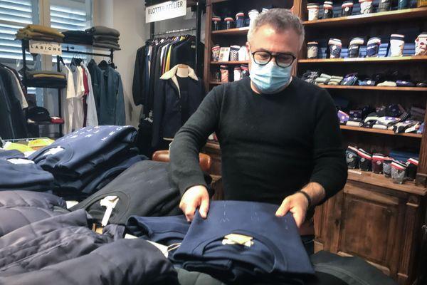 Nicolas Marsicano dans son concept-store fermé et rempli par un stock en attente de réouverture