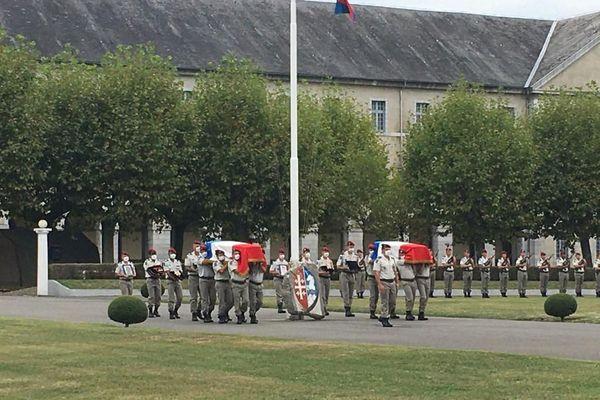 hommage aux 2 soldats tués au Mali
