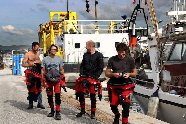 L'équipe des quatre plongeurs de l'expédition Gombessa 5.