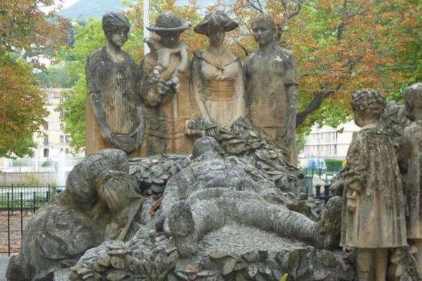 Le monument aux morts de Lodève (Hérault) est l'oeuvre du sculpteur Paul Dardé