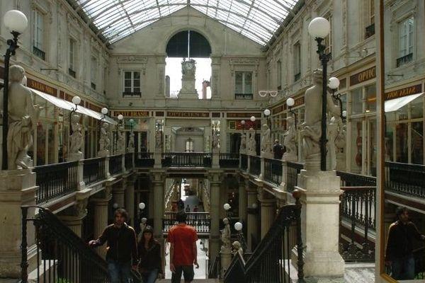 Une certaine idée de Nantes est dans ce passage Pommeraye.