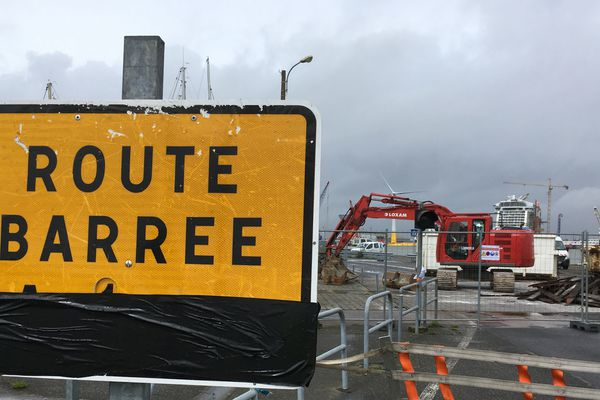La circulation est modifiée pour plusieurs mois sur le port de Saint Nazaire. Ponts, écluses, tablier...il faut se moderniser!