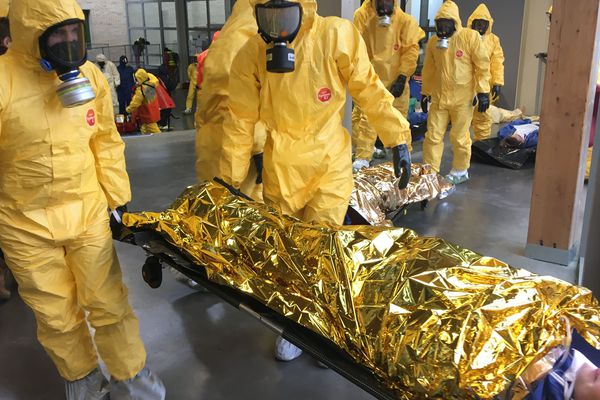Une attaque chimique scénarisée au lycée Aimé-Césaire à Clisson, le 6  novembre 2019