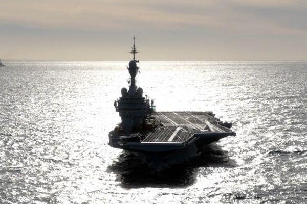 Le Charles-de-Gaulle lors de ses essais en Méditerranée, en février.