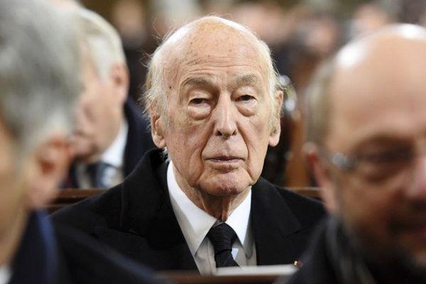 Valery Giscard d'Estaing lors de obsèques d'Helmut Schmidt le 23 novembre 2015 à Hamburg en Allemagne.