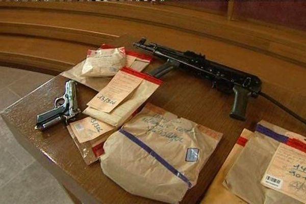 Des armes utilisées lors du vol à main armé chez Lepage au Havre.