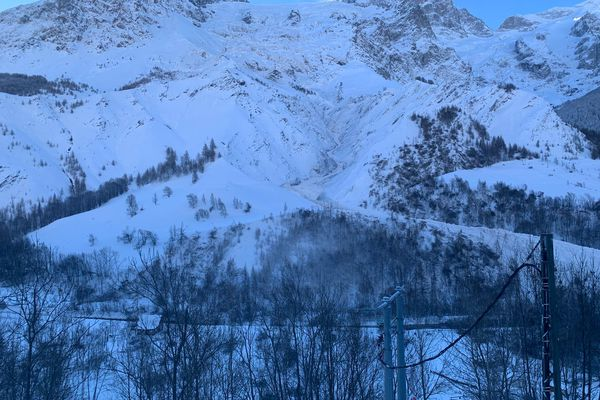 La Grave après l'avalanche de ce jeudi matin.