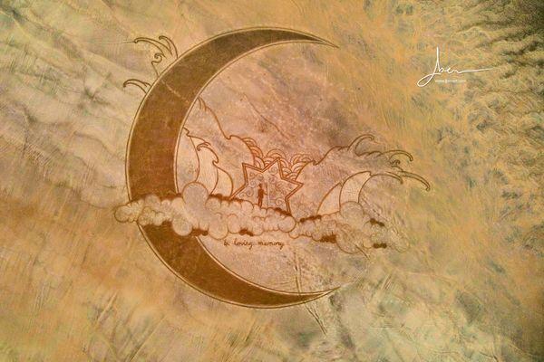 Fresque de Jben, aux allures cosmiques.