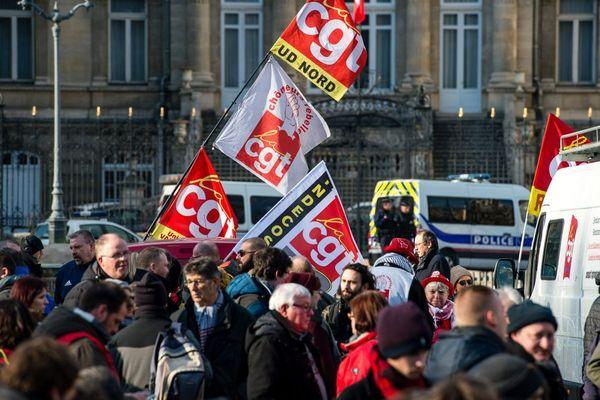 Manifestation de la CGT devant la Préfecture de Lille, début février. / © MAXPPP