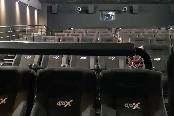 Emotions garanties, avec des sièges montés sur vérins, dans la salle 4 DX.