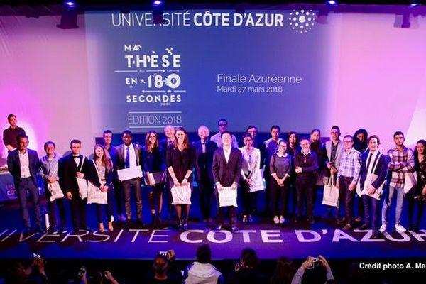 Les doctorants 2018 et le jury.