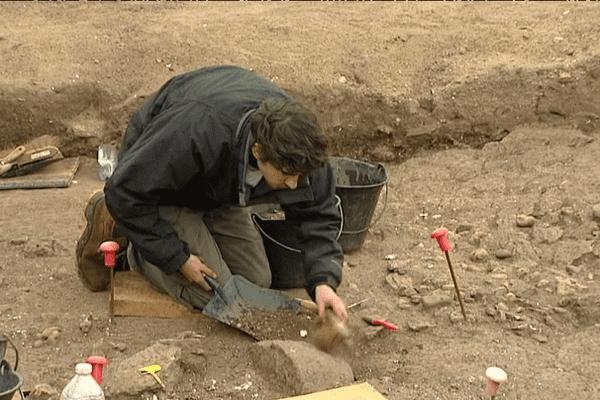 Sur le chantier de fouille à Quiberon