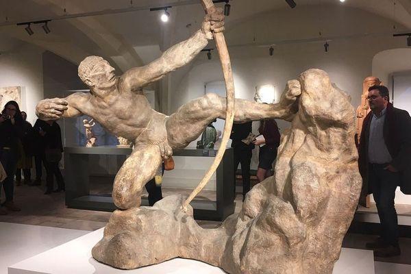 Il faudra encore patienter pour découvrir en réalité la sculpture monumentale d'Heraklès archer d'Emile-Antoine Bourdelle (1909).