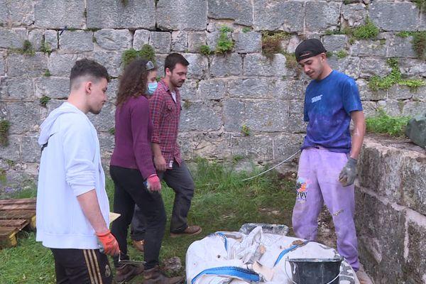 17 jeunes rénovent une partie de la Citadelle de Besançon, pendant 15 jours