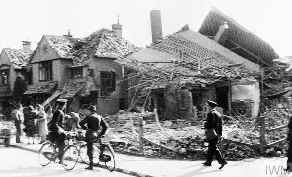 Des maisons détruites par les bombardements, le 12 août 1940, à Gosport, près de Portsmouth, dans le sud de l'Angleterre.
