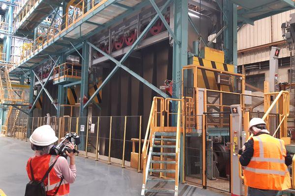 ArcelorMittal a inauguré mardi 21 septembre sa nouvelle ligne de galvanisation baptisée Galsa2. Cet équipement permettra au site de Florange de laminer 800 000 tonnes d'acier plat ultra performant, notamment aux constructeurs automobiles.