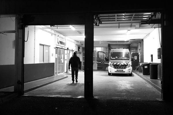 Les pompiers, devant les urgences de l'hôpital de Bastia, après avoir déposé un patient