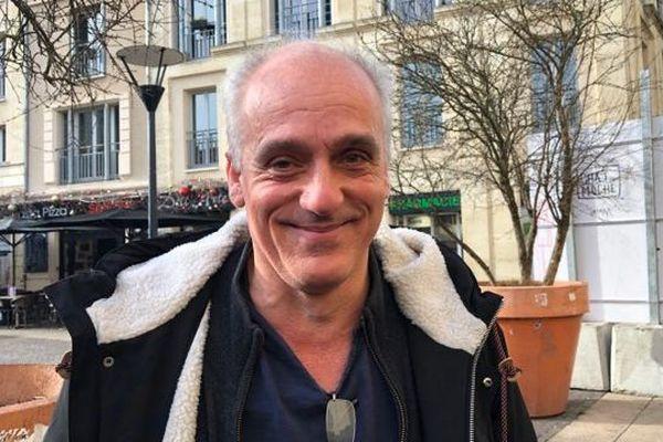 Philippe Poutou explique sa candidature à la mairie de Bordeaux avec le soutien de la France Insoumise.