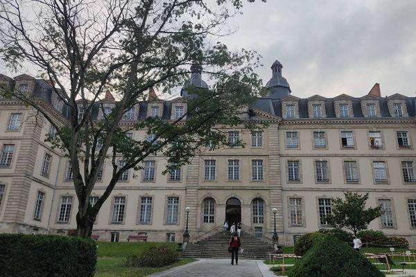 En 1941, Marcel Mangel franchissait les marches de ce lycée.