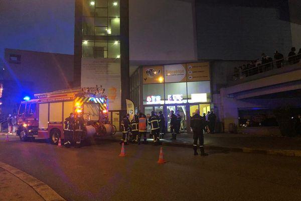 Plus d'une centaine de personnes ont été évacuées du cinéma Pathé d'Annecy le 4 août 2021 après une série de malaises.