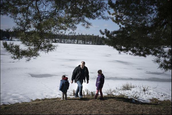 La série photographique d'Olivier Jobard raconte le périple d'une famille syrienne jusqu'en Suède.