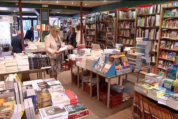 De nombreux ouvrages dans cette librairie alsacienne.