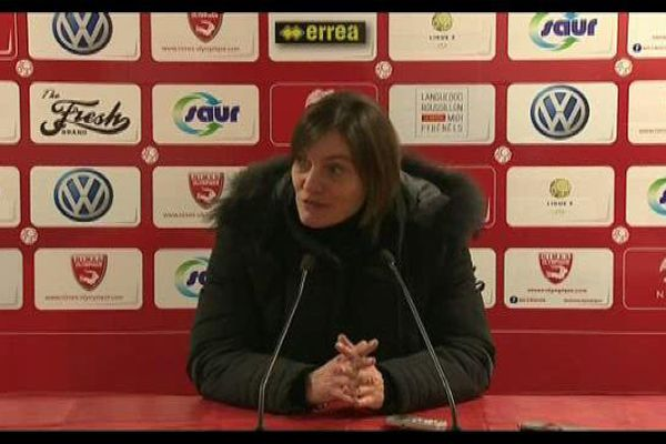 Malgré une sévère défaite concédée à Nîmes le 15 janvier, Corinne Diacre maintient ses objectifs  pour le Clermont-Foot : Rester dans les huit premiers du classement de Ligue 2 en ce début de saison.