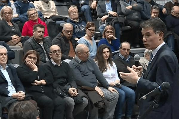 Olivier Faure accueilli par les militants PS à Mugron