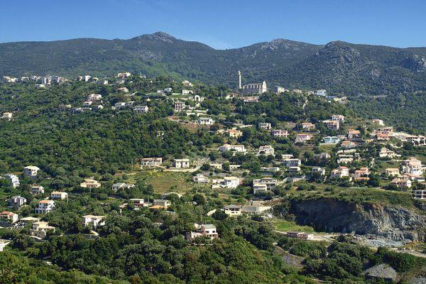Ville Di Pietrabugno, au-dessus de Bastia, attire des locataires plus aisés.