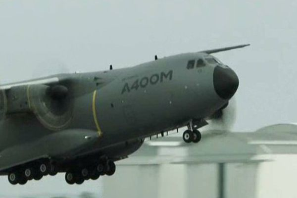 Un A400M à la base aérienne Orléans-Bricy.
